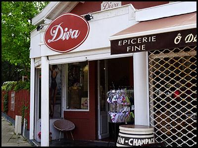 Diva, lingerie et accessoires au Moulleau