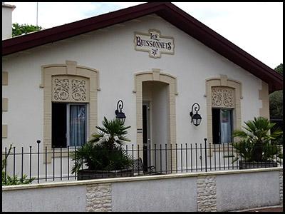 Les buissonnets, hôtel au Moulleau village
