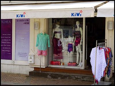 KIWI crée ses collections dans le style décontracté et élégant qui fait son succès.